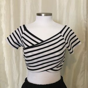NWT Forever 21 Black and White Stripe Crop Top S